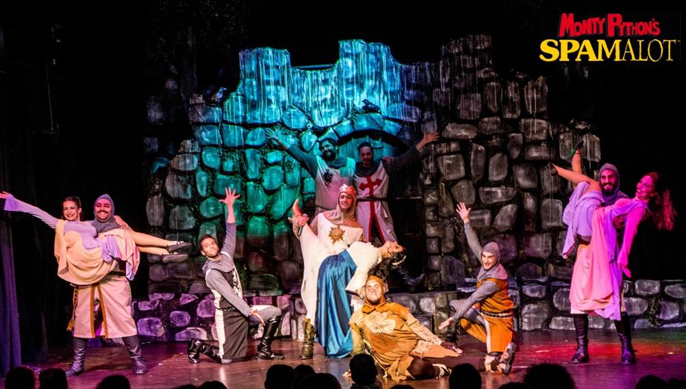 Monty Python's Spamalot στο Γυάλινο Μουσικό Θέατρο