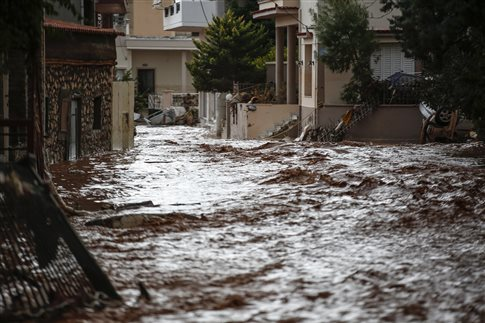 Δεκατέσσερις νεκροί στη Μάνδρα λόγω πλημμύρας