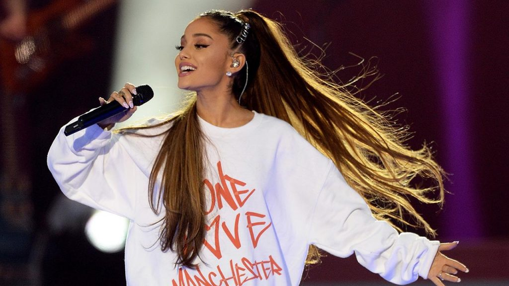 Το τατουάζ της Ariana Grande για τα θύματα του Μάντσεστερ