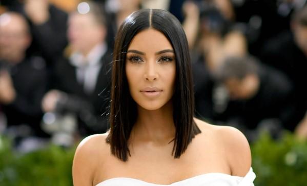 photoshop fail της Kim Kardashian