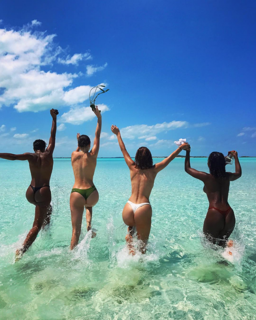 celebrities που τόλμησαν να ανεβάσουν στο Instagram nude φωτογραφίες τους