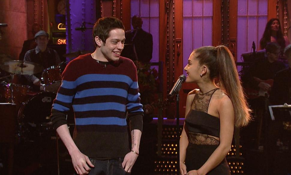 χρονικό της σχέσης της Ariana Grande