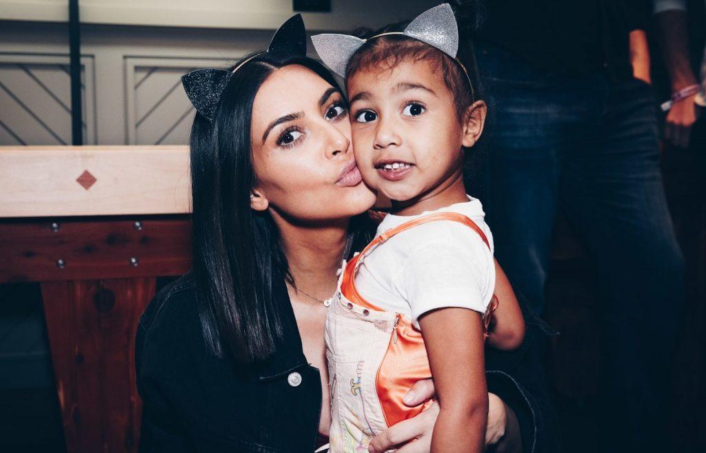κόρη της Kim Kardashian τη ρώτησε πως έγινε διάσημη
