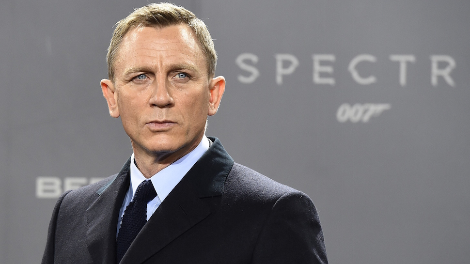 νέος James Bond