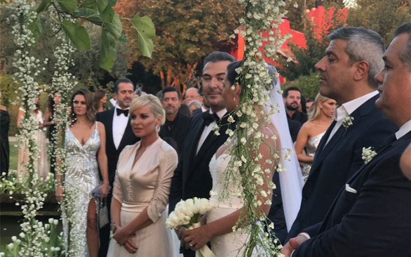 Παντρεύτηκαν Αντώνης Ρέμος και Υβόννη Μπόσνιακ