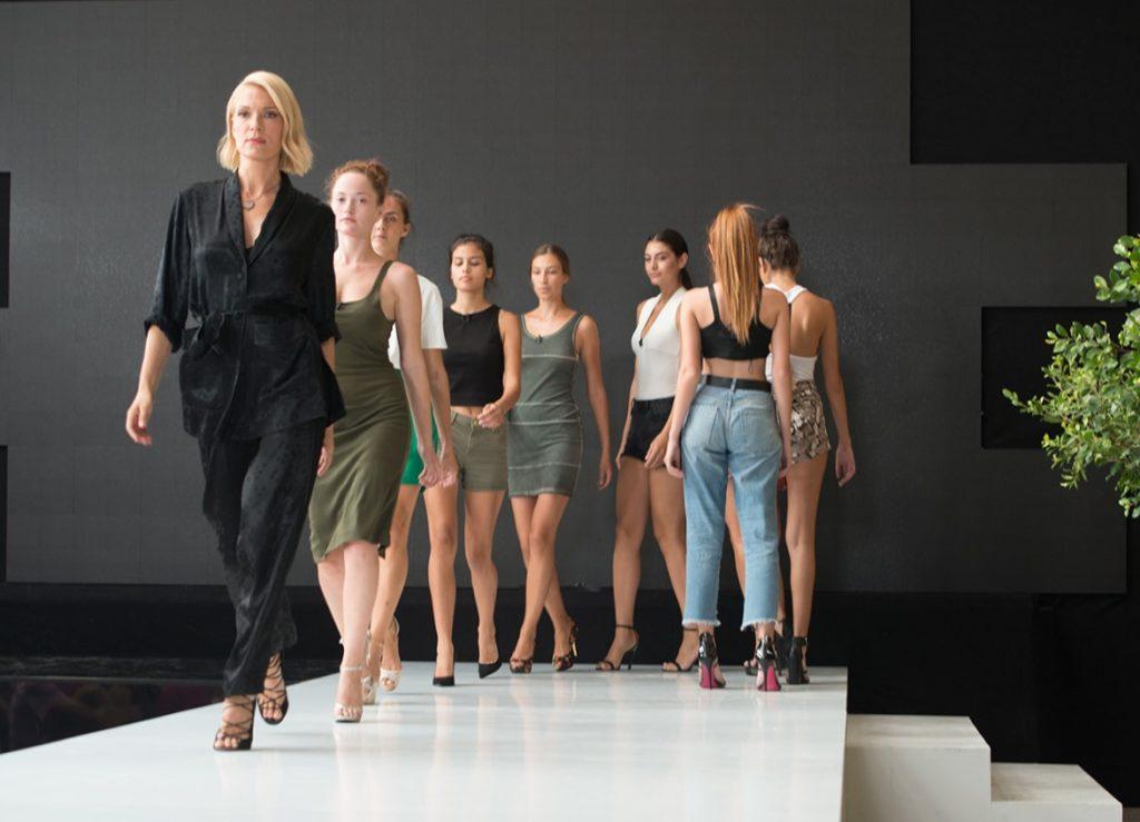 κορίτσια που βρίσκονται στο σπίτι του Next Top Model