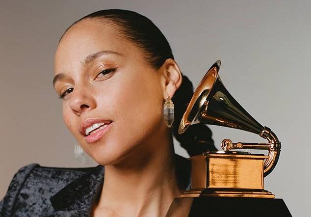Alicia Keys είναι η παρουσιάστρια των φετινών Βραβείων Grammy