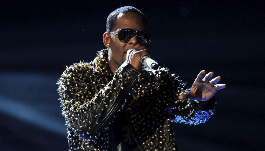 Ο R. Kelly δίνει συναυλία για 28 ολόκληρα δευτερόλεπτα!