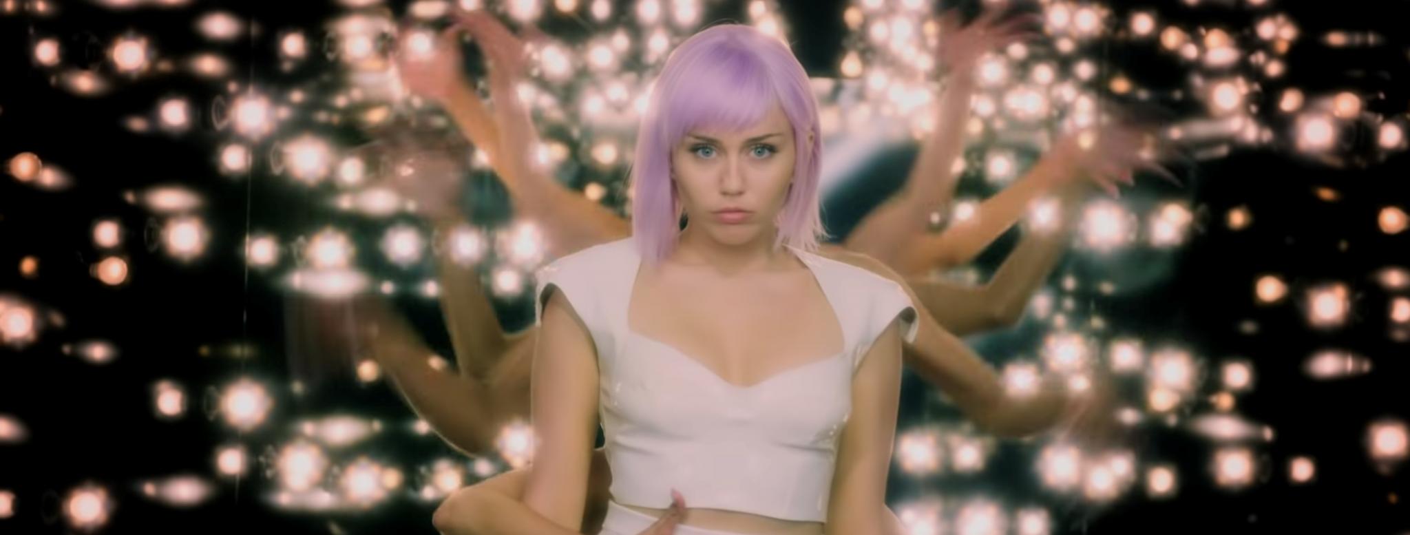 Η Miley Cyrus πρωταγωνιστεί στο «Black Mirror»!