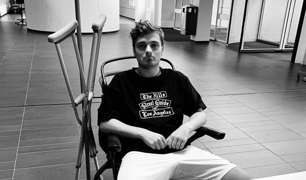 Martin Garrix σε αναπηρικό αμαξίδιο