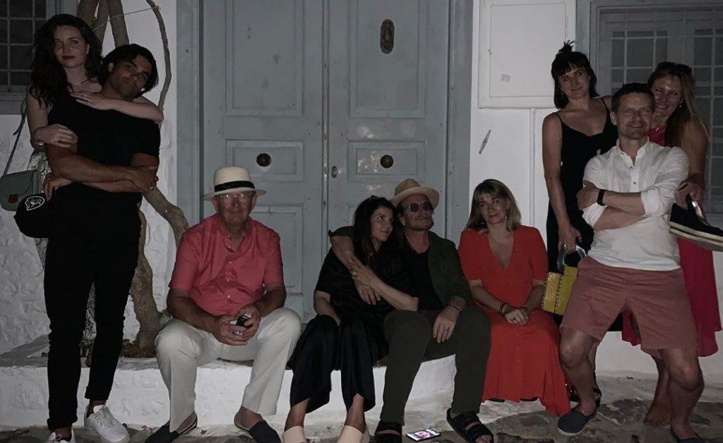 Bono των U2 κάνει διακοπές στην Ελλάδα