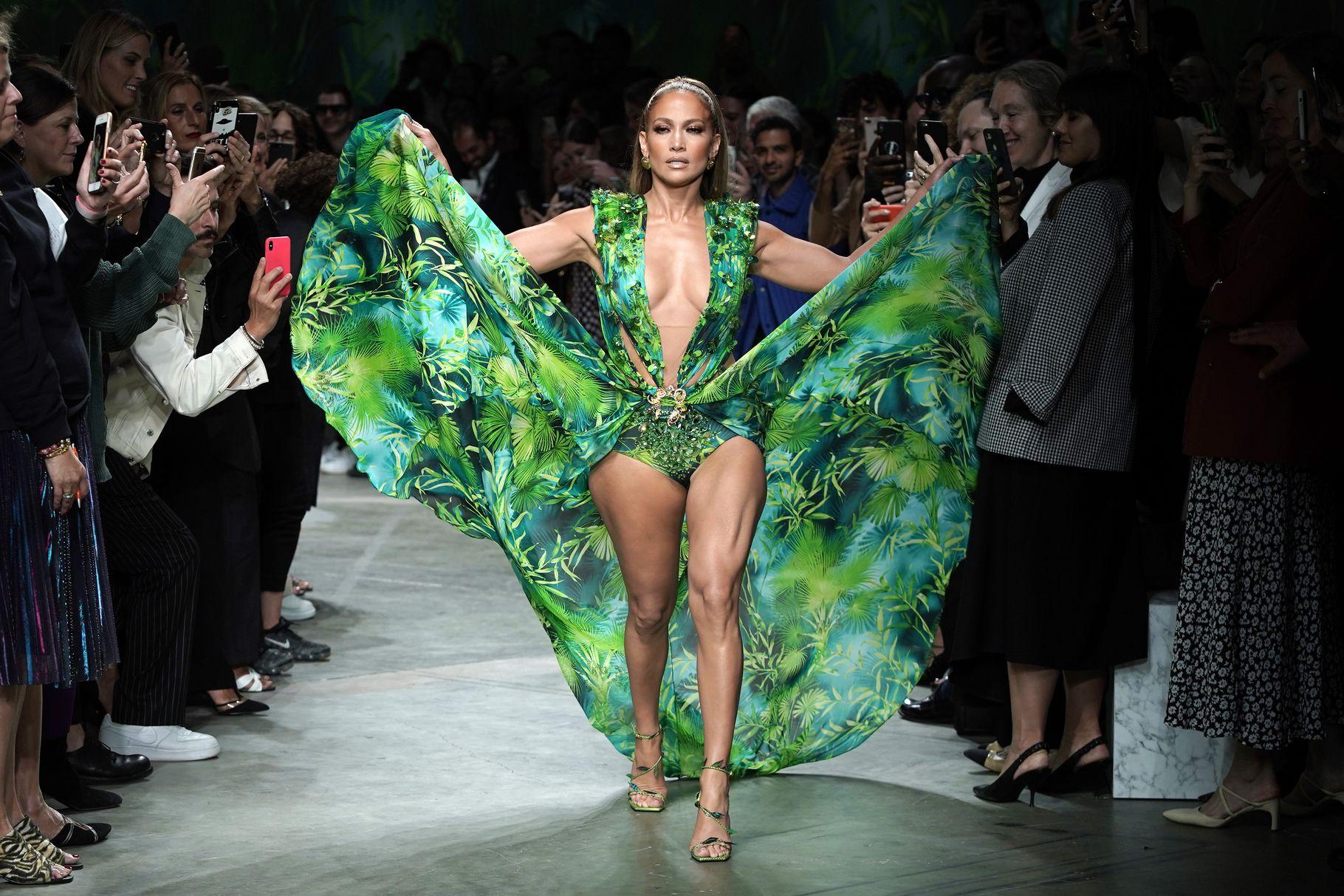 Google Versace Jennifer Lopez