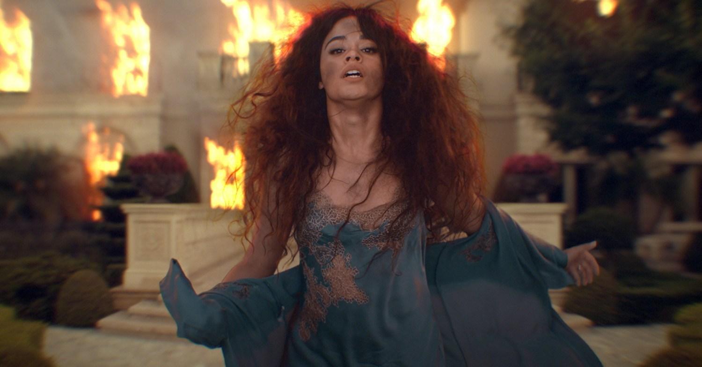 """Το νέο video clip της Camila Cabello αγγίζει τα 3 εκατ. προβολές Το video του """"Liar"""""""
