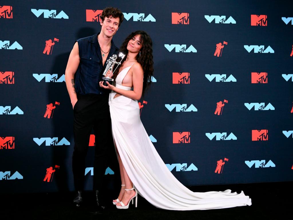 Αυτός είναι ο λόγος που δεν παραδέχεται ο Shawn Mendes τo είδυλλιό του με την Camila Cabello
