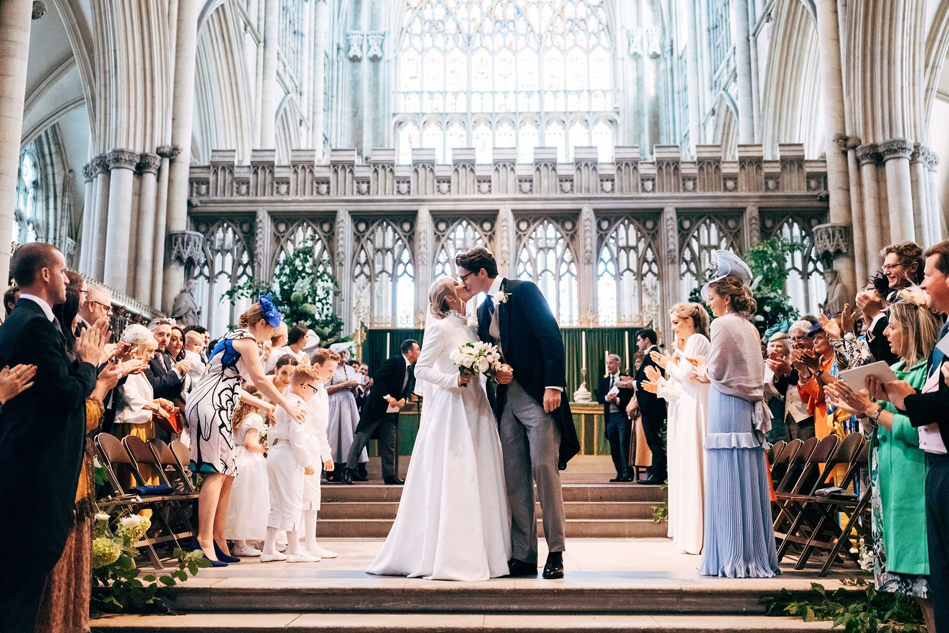 Η Ellie Goulding έκανε τον πιο παραμυθένιο γάμο με τον αγαπημένο της, Caspar Jopling.