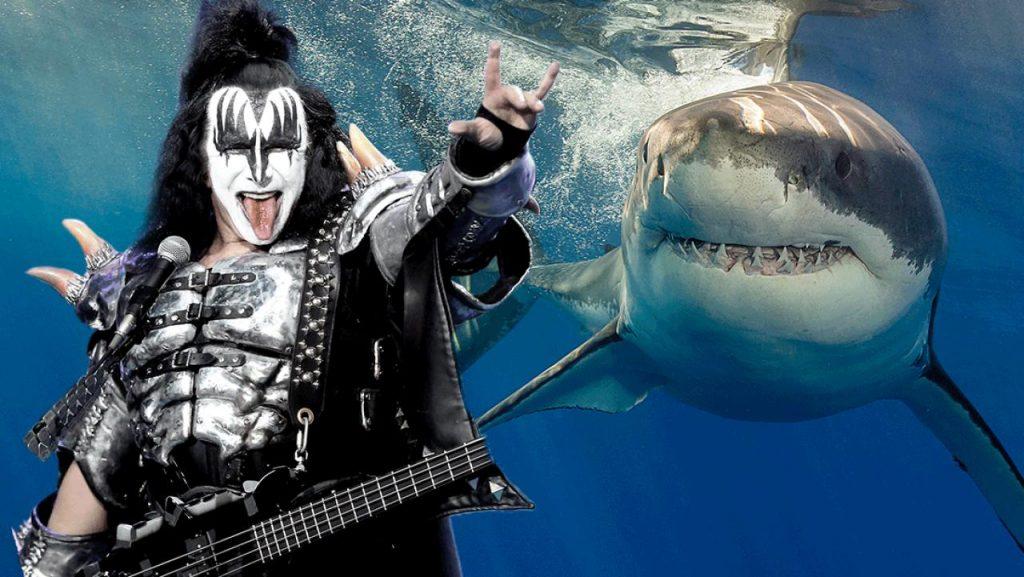 KISS συναυλία με καρχαρίες