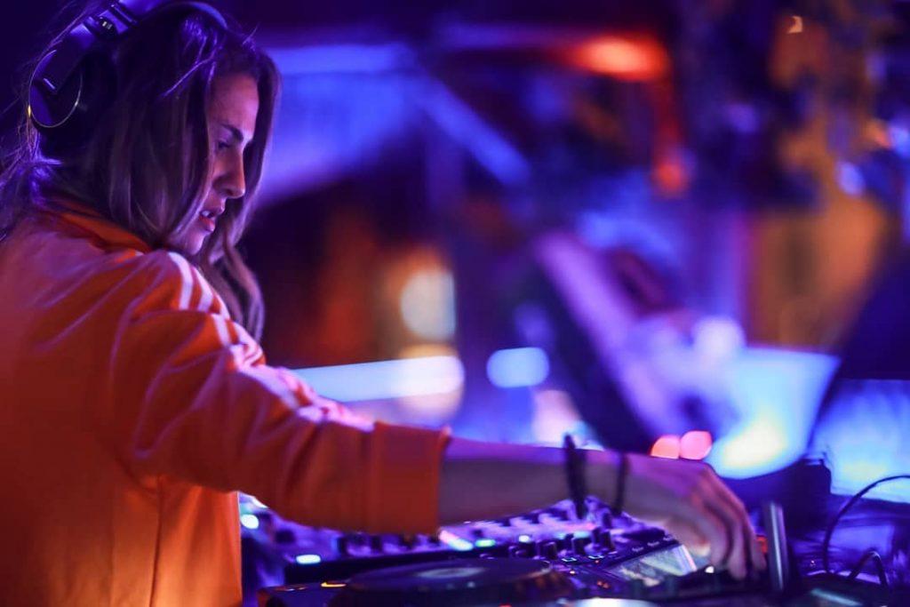 """Η Xenia Ghali """"είναι έτοιμη"""" για τη συνεργασία της με τον Pitbull"""