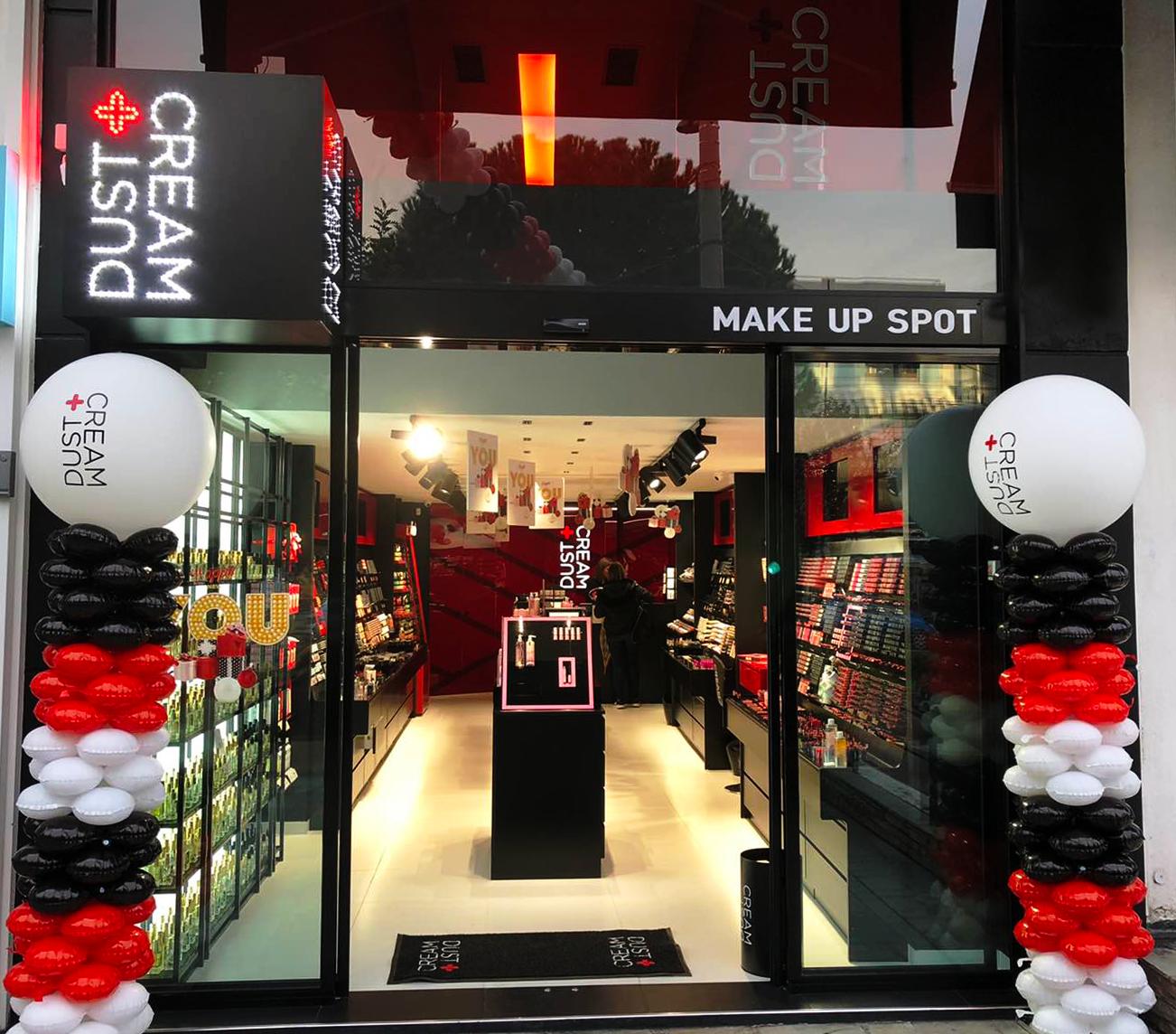 H DUST+CREAM ανοίγει νέο κατάστημα στη Γλυφάδα