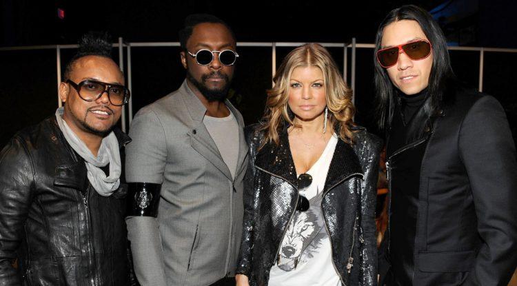 Εσύ ξέρεις ποια τραγουδίστρια είχε περάσει από δοκιμαστικό στους Black Eyed Peas πριν τη Fergie;