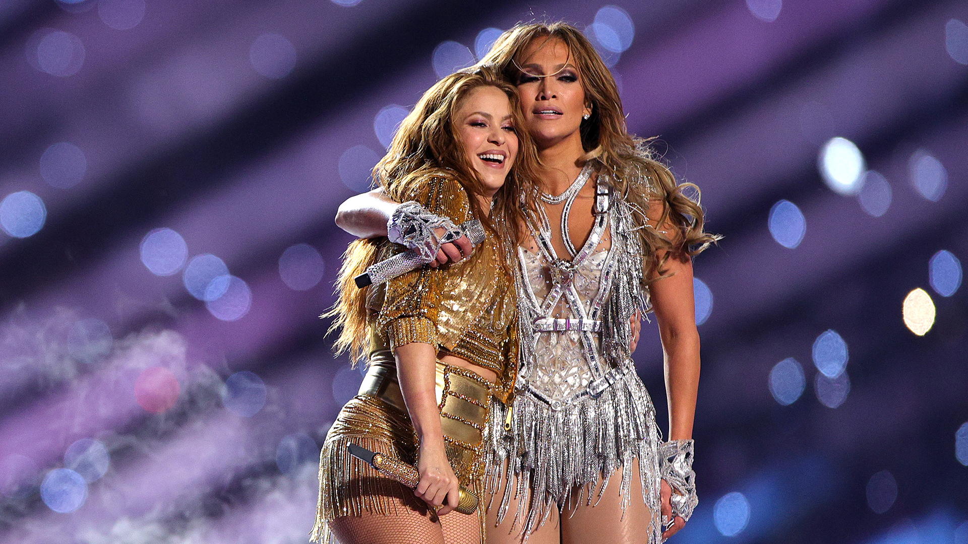 Jennifer Lopez και Shakira «τα έσπασαν» στο ημίχρονο του τελικού του Super Bowl!