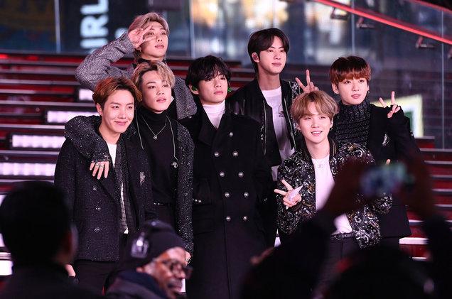 BTS ξεπέρασε σε πωλήσεις τα εισιτήρια του Super Bowl