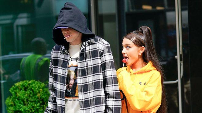 Ο Pete Davidson κατηγορεί την Ariana Grande για την παρενόχληση από τους paparazzi!