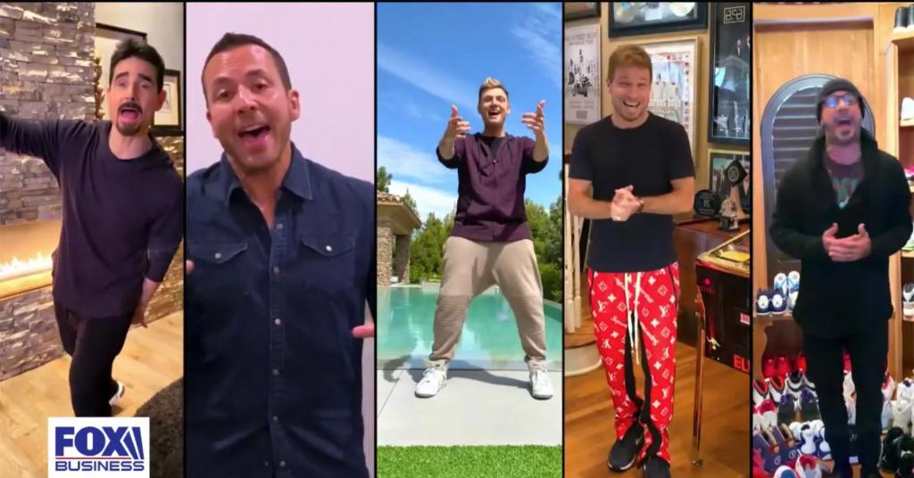 """Οι Backstreet Boys χαρίζουν στο κοινό τους μία home edition εκτέλεση της επιτυχίας """"I Want It That Way"""""""