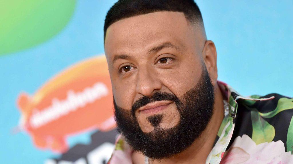 O DJ Khaled σχεδιάζει να φέρει σπίτι του κουρέα ντυμένο αστροναύτη!