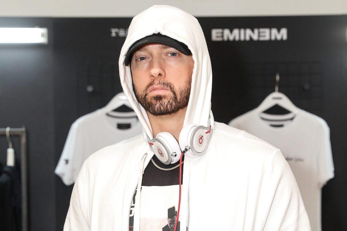 """Ο Eminem δωρίζει το περίφημο """"Mom's Spaghetti"""" σε εργαζόμενους στον τομέα της υγείας στο Detroit!"""