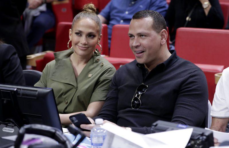 """Η Jennifer Lopez και ο Alex Rodriguez ενδιαφέρονται να αγοράσουν την ομάδα baseball """"New York Mets""""!"""