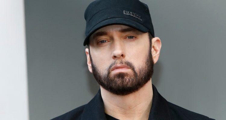 O Eminem δημοπρατεί ένα σπάνιο ζευγάρι sneakers για την οικονομική ενίσχυση λόγω του κορονοϊού!
