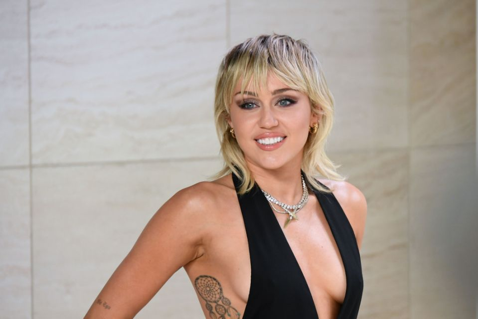 Miley Cyrus εξωγήινους