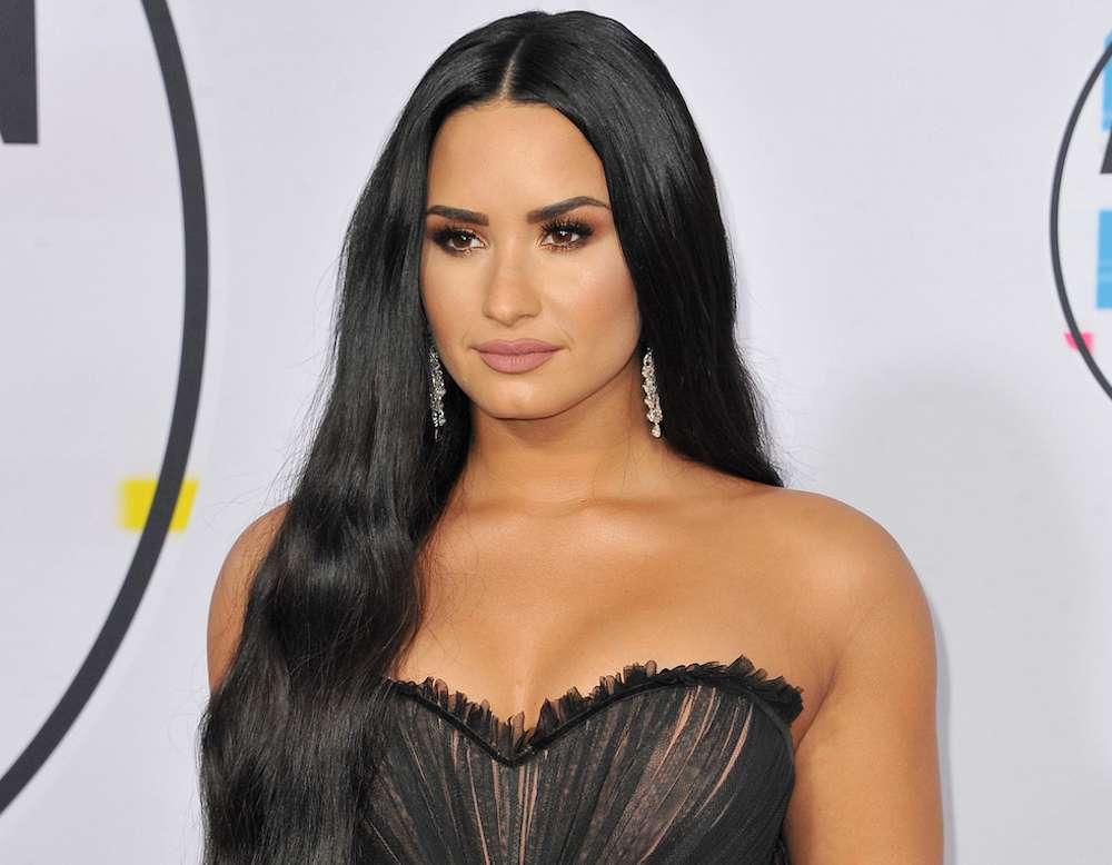 Demi Lovato οικοδέσποινα People's Choice Awards 2020