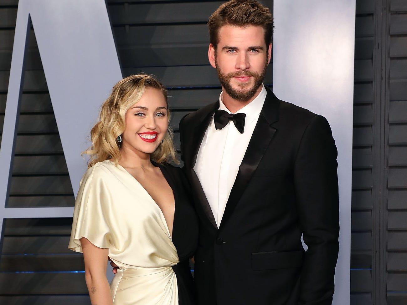 Miley Cyrus έχει αισθήματα πρώην Liam Hemsworth