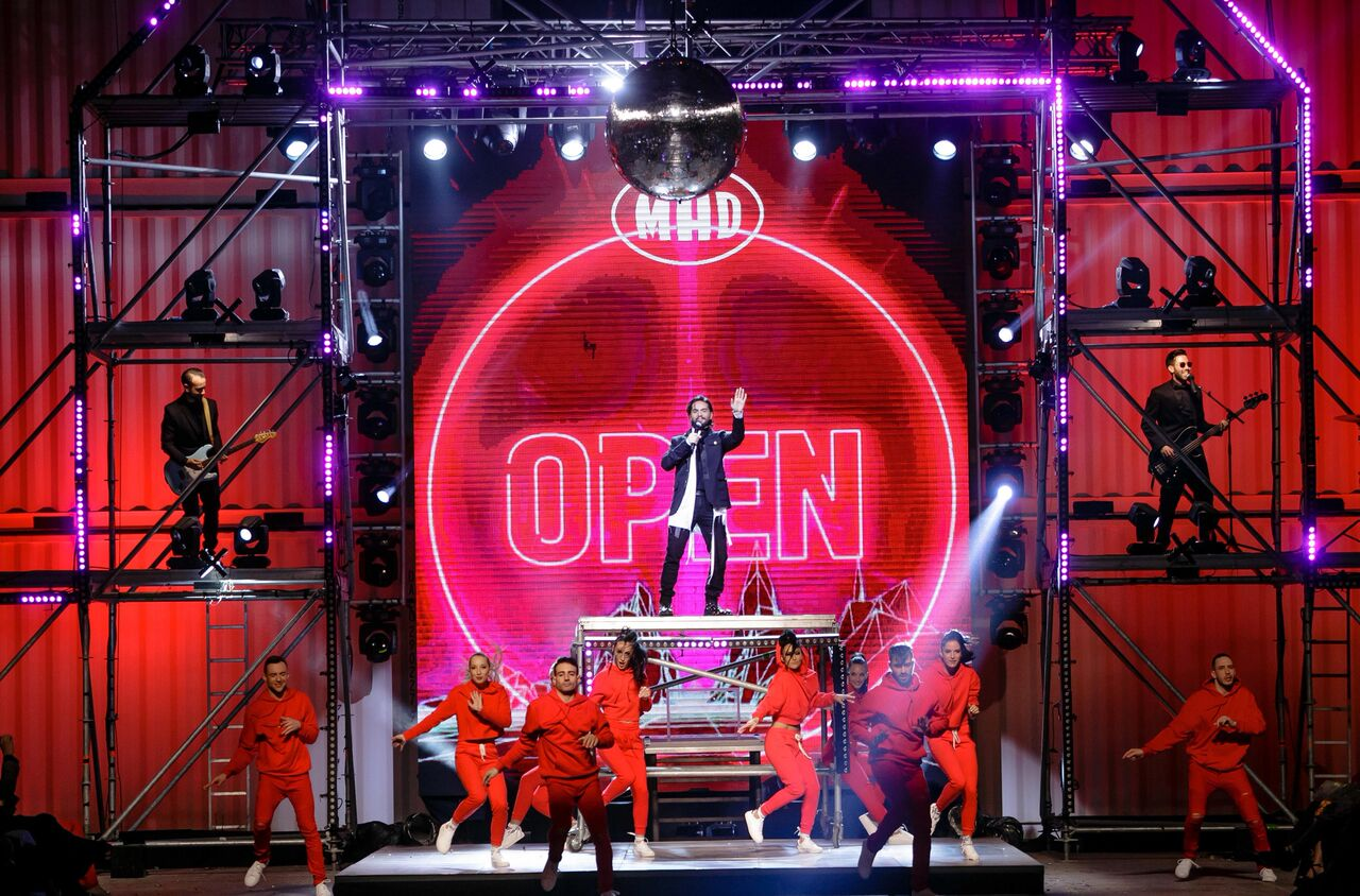 Το closing act από τις ΜΕΛΙSSES στο MadWalk του 2018 ήταν κυριολεκτικά… «Αλλού»!