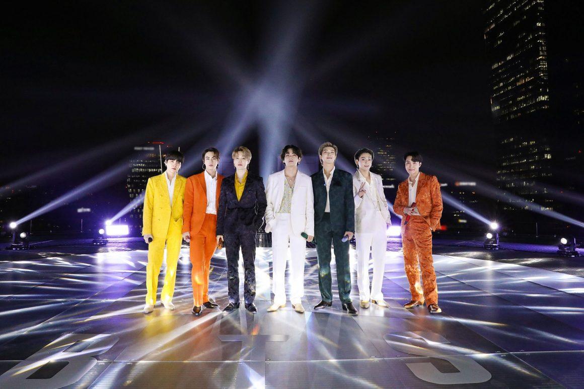 Οι BTS είναι το πρώτο K-pop group που ερμηνεύει δικό του τραγούδι στη σκηνή των GRAMMYs!